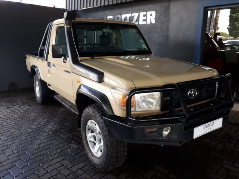 Cars toyota land cruiser 79 40 v6 pick up was listed for r359 cars toyota land cruiser 79 40 v6 pick up was listed for r35990000 on 13 jun at 0001 by autoworld in durban id336558963 fandeluxe Choice Image