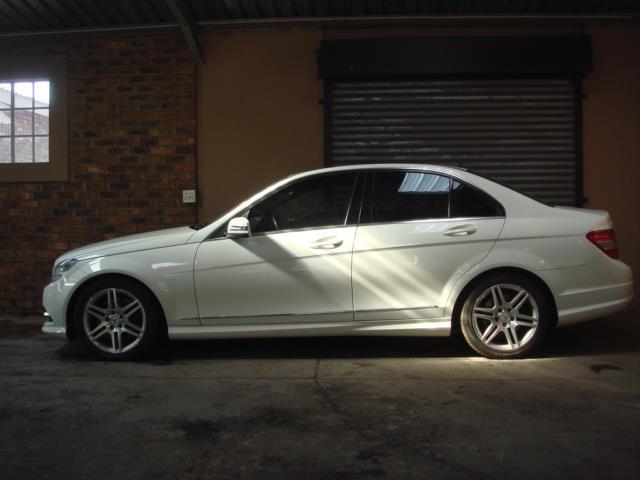 2010 Mercedes-Benz C350 Cdi Elegance A/T Image3