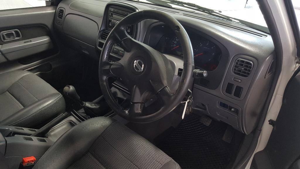2013 Nissan Hardbody 2.5 Tdi Hirider P/U D/C (K24) Image4