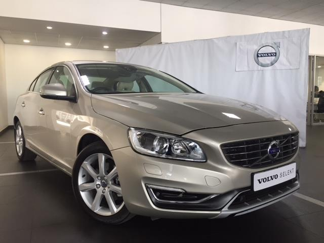 2017 VOLVO S60 T4 MOMENTUM GEARTRONIC