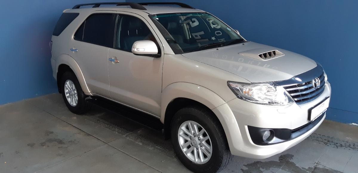 Toyota FORTUNER 3.0 2014