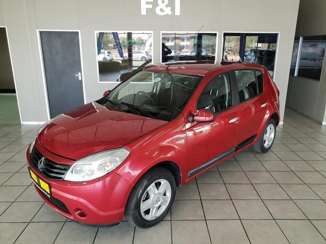 Renault SANDERO 1.6 2013