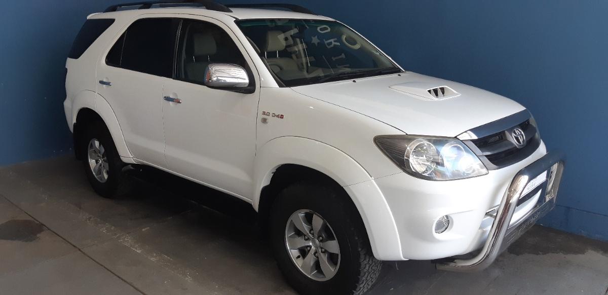 Toyota Fortuner 3.0 2008