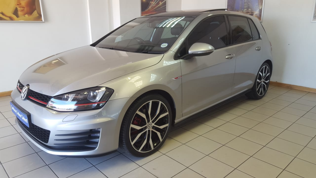 cars volkswagen golf 2 0 tsi gti dsg was listed for r319. Black Bedroom Furniture Sets. Home Design Ideas