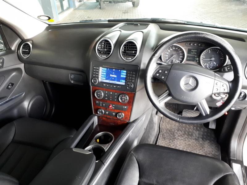 2008 Mercedes-Benz Ml 320 Cdi A/T Image4