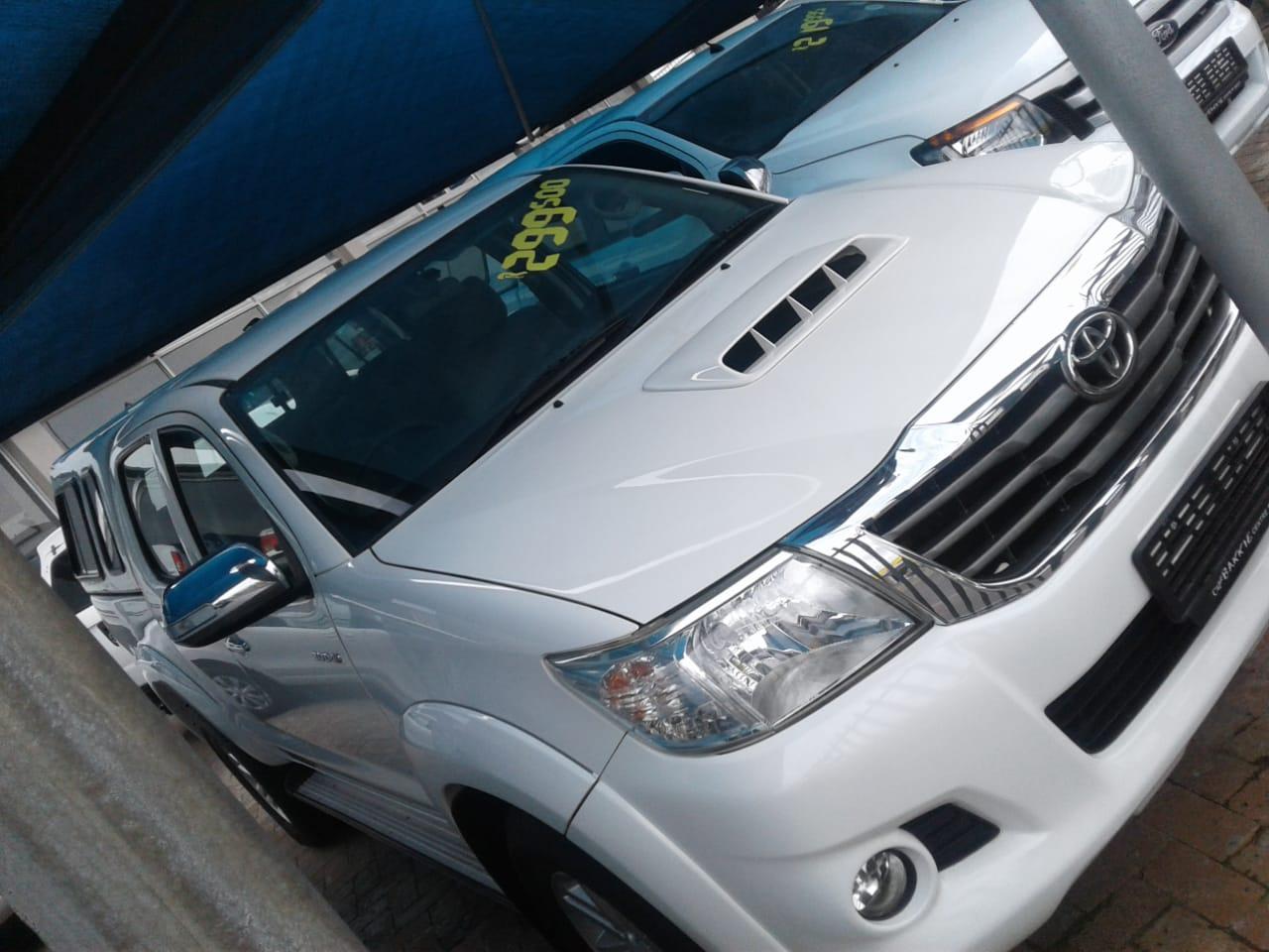 2014 toyota hilux 3.0d-4d double cab raider