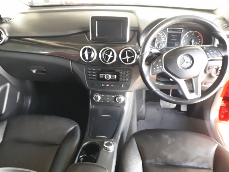 2014 Mercedes-Benz B 180 CDI BE A/T Image4