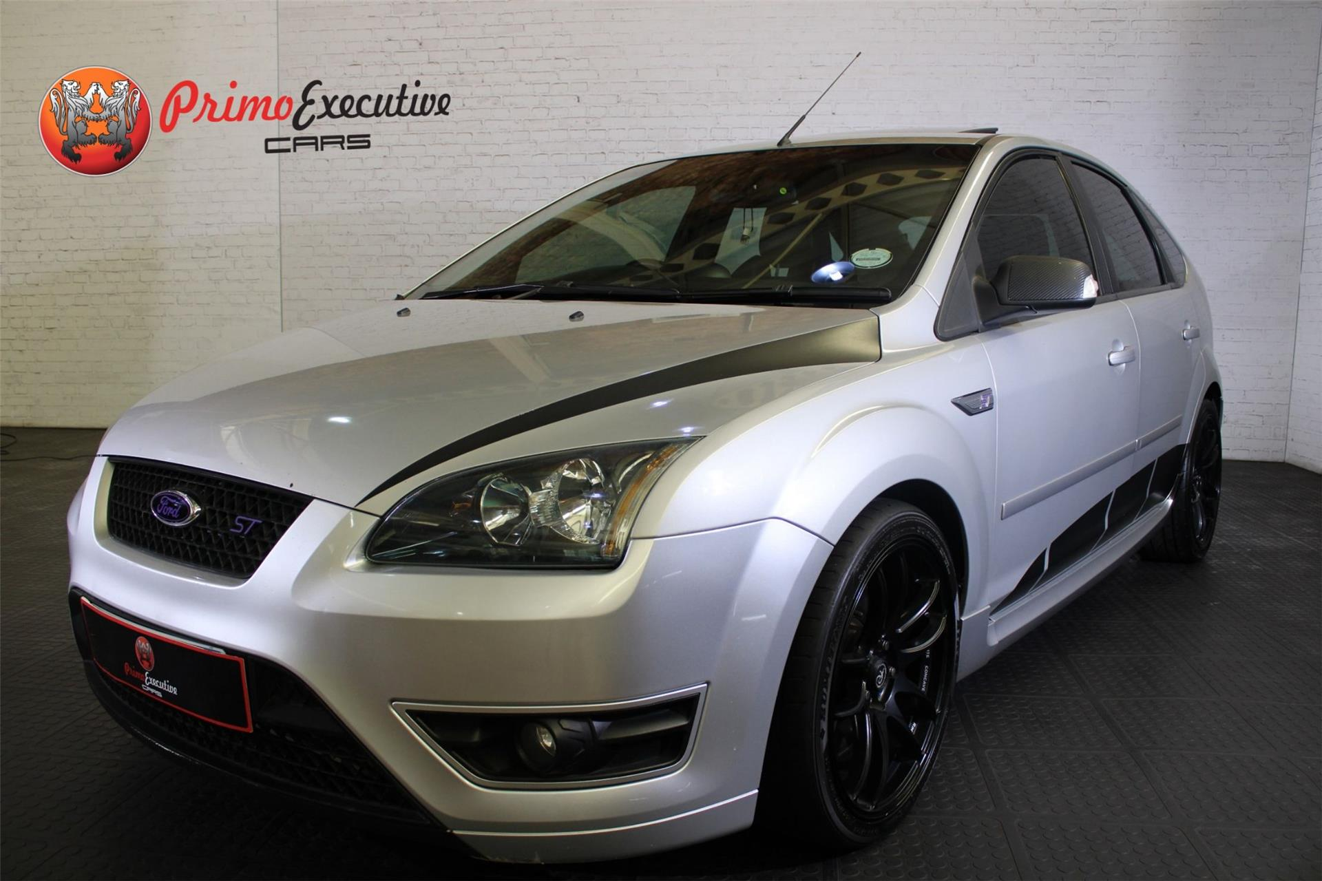 Ford Focus 2.5 5 dr ST