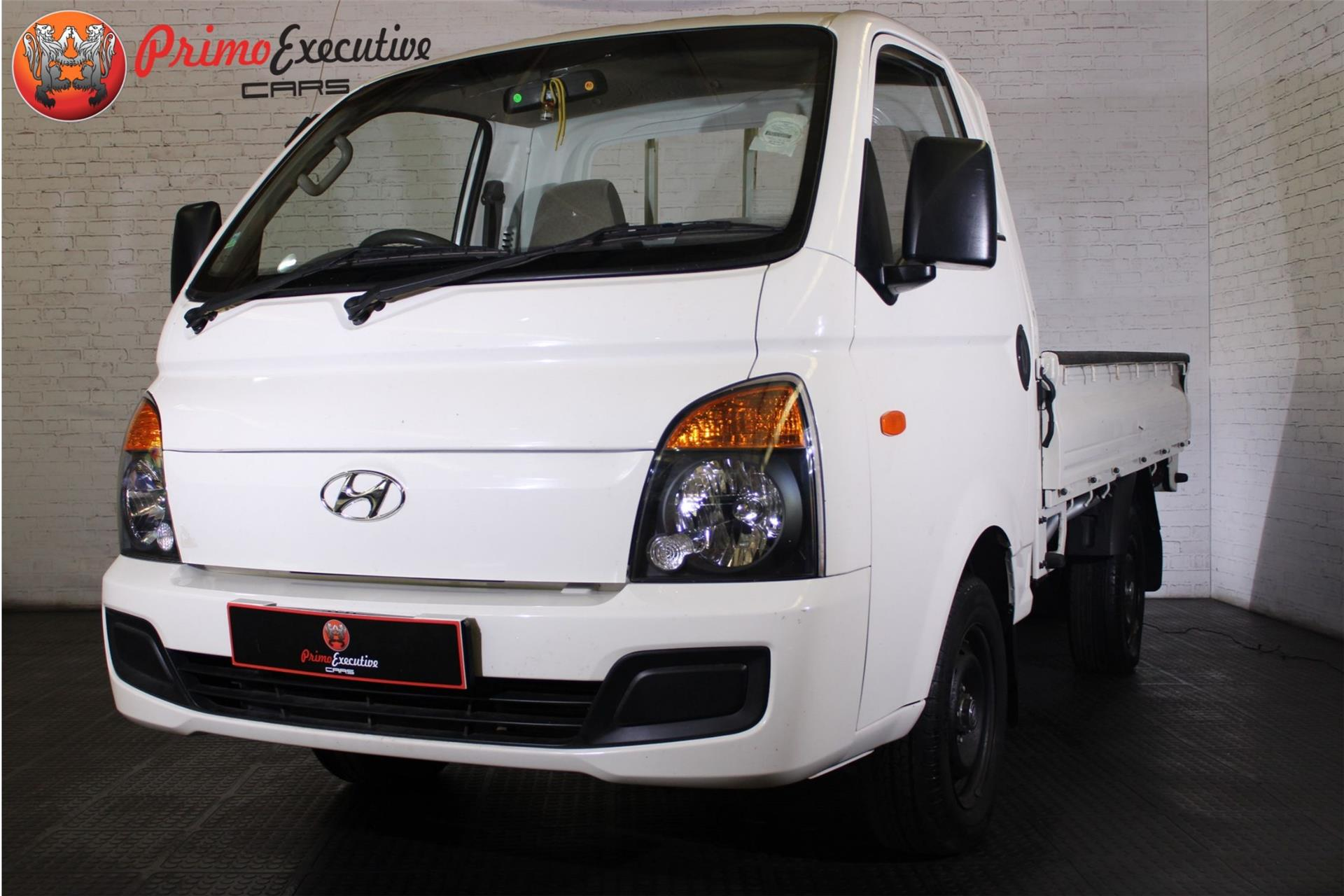 Hyundai H100 Bakkie 2.6D deck