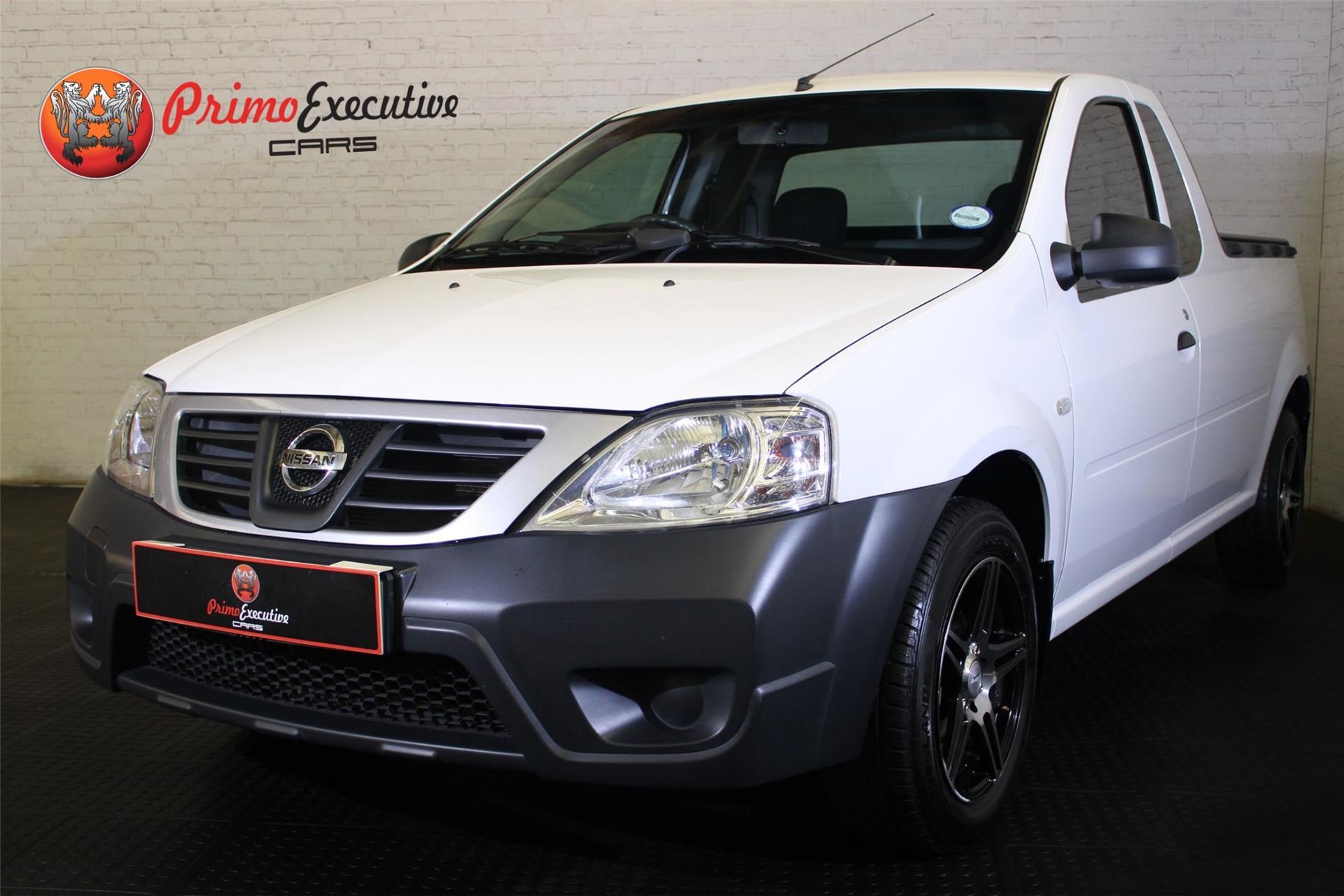 Nissan NP200 1.6 8V Base + Safety